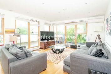 3 bedroom(s) flat to rent in New Kent Road, Surrey Quays, SE1-image 1