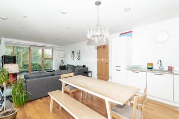 3 bedroom(s) flat to rent in New Kent Road, Surrey Quays, SE1-image 3