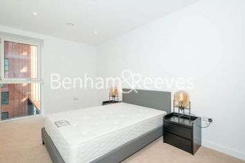 2 bedroom(s) flat to rent in Weymouth Building, Elephant and Castle, SE17-image 3