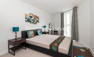 2 bedroom(s) flat to rent in Pump House Crescent, Brentford, TW8-image 1