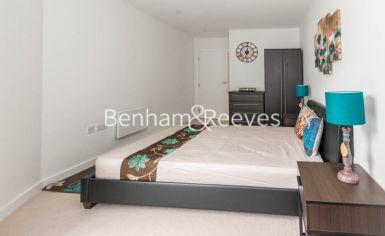 2 bedroom(s) flat to rent in Pump House Crescent, Brentford, TW8-image 2