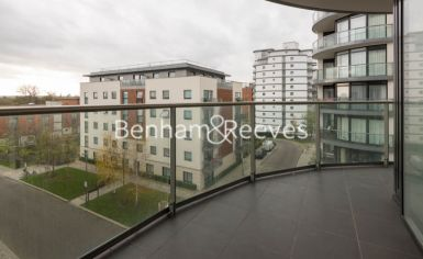 2 bedroom(s) flat to rent in Pump House Crescent, Brentford, TW8-image 6