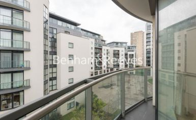 2 bedroom(s) flat to rent in Pump House Crescent, Brentford, TW8-image 7