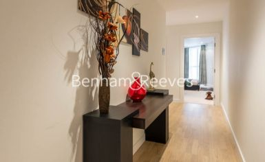 2 bedroom(s) flat to rent in Pump House Crescent, Brentford, TW8-image 9