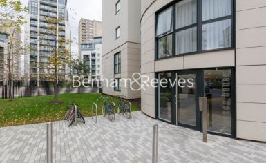 2 bedroom(s) flat to rent in Pump House Crescent, Brentford, TW8-image 12