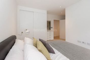 2 bedroom(s) flat to rent in Heritage Place, Kew Bridge, TW8-image 8