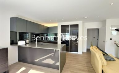 2 bedroom(s) flat to rent in Heritage Place, Brentford, TW8-image 2