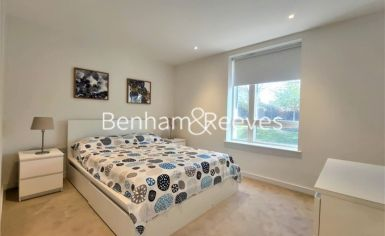 2 bedroom(s) flat to rent in Heritage Place, Brentford, TW8-image 3