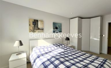 2 bedroom(s) flat to rent in Heritage Place, Brentford, TW8-image 11
