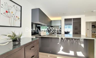 2 bedroom(s) flat to rent in Heritage Place, Brentford, TW8-image 12