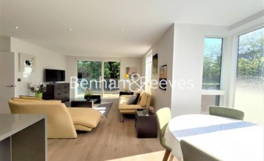 2 bedroom(s) flat to rent in Heritage Place, Brentford, TW8-image 13