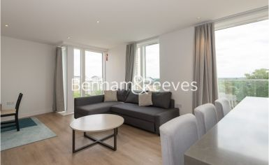 2 bedroom(s) flat to rent in Kew Bridge, Heritage Place, TW8-image 4