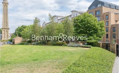 2 bedroom(s) flat to rent in Kew Bridge, Heritage Place, TW8-image 13