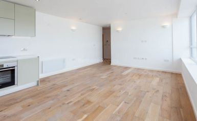 1 bedroom(s) flat to rent in Windmill Road, Sunbury-on-Thames, TW16-image 1