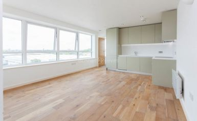 1 bedroom(s) flat to rent in Windmill Road, Sunbury-on-Thames, TW16-image 2