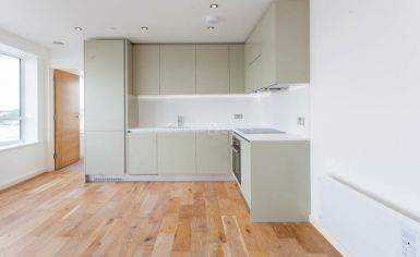 1 bedroom(s) flat to rent in Windmill Road, Sunbury-on-Thames, TW16-image 3