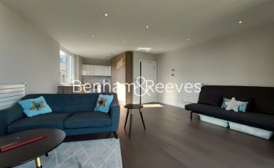 1 bedroom(s) flat to rent in QueenshurstSquare, Kingston Upon Thames, KT2-image 1