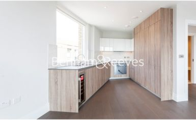 1 bedroom(s) flat to rent in QueenshurstSquare, Kingston Upon Thames, KT2-image 2