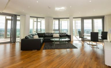 2 bedroom(s) flat to rent in Kew Eye, Brentford, TW8-image 1