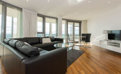 2 bedroom(s) flat to rent in Kew Eye, Brentford, TW8-image 2