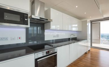 2 bedroom(s) flat to rent in Kew Eye, Brentford, TW8-image 3