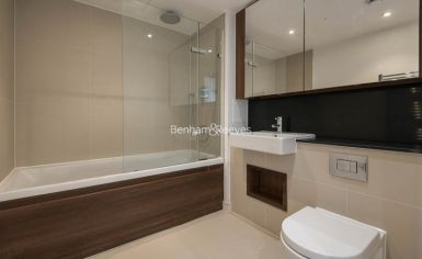 2 bedroom(s) flat to rent in Kew Eye, Brentford, TW8-image 8
