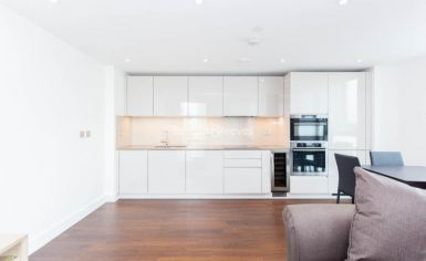 1 bedroom(s) flat to rent in Nine Elms Point, Nine Elms, SW8-image 2