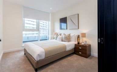 3 bedroom(s) flat to rent in Vista Chelsea Bridge, Nine Elms, SW11-image 7