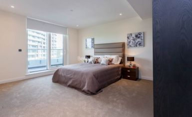 3 bedroom(s) flat to rent in Vista Chelsea Bridge, Nine Elms, SW11-image 8