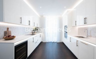 3 bedroom(s) flat to rent in Charles Clowes, Nine Elms, SW11-image 3