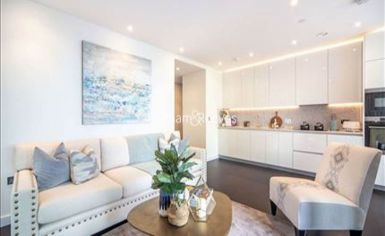 2 bedroom(s) flat to rent in Charles Clowes Walk, Nine Elms, SW11-image 7