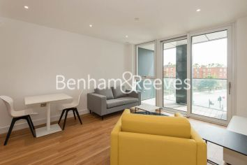 1 bedroom(s) flat to rent in Wandsworth Road, Nine Elms, SW8-image 1
