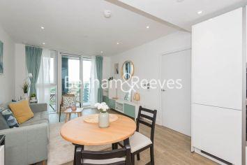 1 bedroom(s) flat to rent in Wandsworth Road, Nine Elms, SW8-image 3