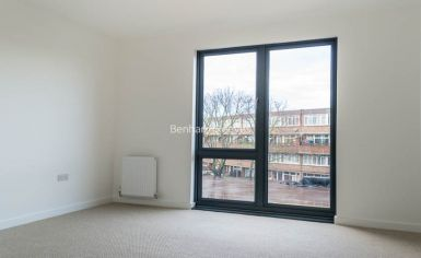 1 bedroom(s) flat to rent in Stewarts Road, Nine Elms, SW8-image 2