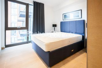 2 bedroom(s) flat to rent in Legacy Building, Viaduct Gardens, SW11-image 9
