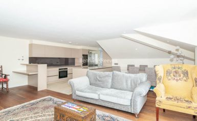 3 bedroom(s) flat to rent in Belsize Grove, Hampstead, NW3-image 3