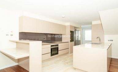 3 bedroom(s) flat to rent in Belsize Grove, Hampstead, NW3-image 4