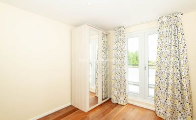 3 bedroom(s) flat to rent in Belsize Grove, Hampstead, NW3-image 8