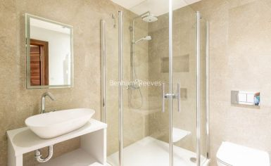 3 bedroom(s) flat to rent in Belsize Grove, Hampstead, NW3-image 9