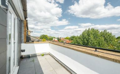 3 bedroom(s) flat to rent in Belsize Grove, Hampstead, NW3-image 11