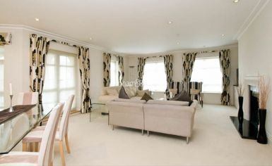 3 bedroom(s) flat to rent in Hampstead Way, Golders Green, NW11-image 2