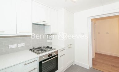 3 bedroom(s) flat to rent in Parkhill Road, Belsize Park, NW3-image 2