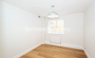 3 bedroom(s) flat to rent in Parkhill Road, Belsize Park, NW3-image 3