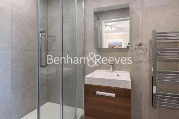 3 bedroom(s) flat to rent in Boydell Court, Hampstead, NW8-image 13