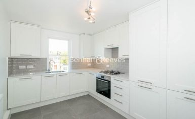 1 bedroom(s) flat to rent in Parkhill Road, Belsize Park, NW3-image 2