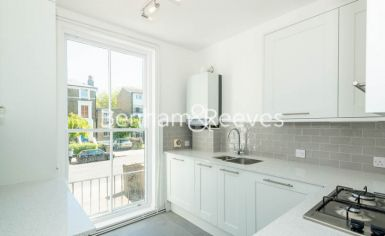 2 bedroom(s) flat to rent in Parkhill Road, Hampstead, NW3-image 2