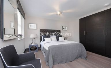 3 bedroom(s) flat to rent in Boydell Court, St. John's Wood Park, NW8-image 7