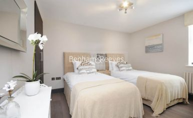 3 bedroom(s) flat to rent in Boydell Court, St. John's Wood Park, NW8-image 10