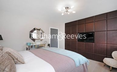 3 bedroom(s) flat to rent in Boydell Court, Hampstead, NW8-image 7