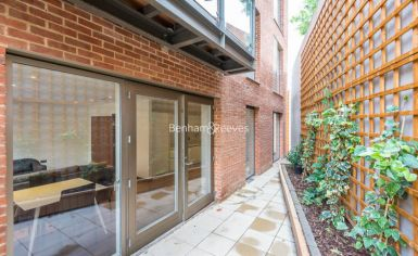 2 bedroom(s) flat to rent in Maygrove Road, West Hampstead, NW6-image 11